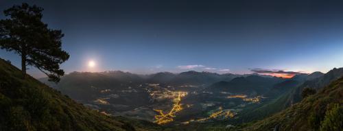 Début de nuit sur la Vallée des Gaves