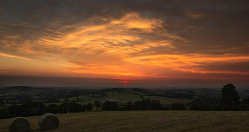 Soleil rouge en Aveyron